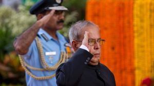 Indian President Pranab Mukherjee offers his tribute to deceased soldiers on occasion of 50th anniversary of India's win over Pakistan in the war of 1965, at the India Gate war memorial in New Delhi. Credit: AP
